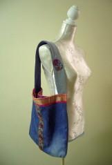 Tasche aus Jeans und indischen Stoffen