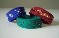 Bestickte Armbänder