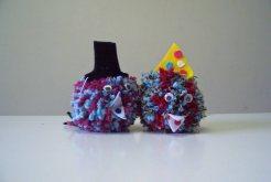Zwei Puschelchen mit Hüten
