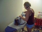 Die Seitennähte werden auseinander gebügelt. Bügeln macht Spaß!