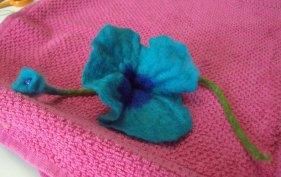Kreative und einzigartige Blume für die Haare