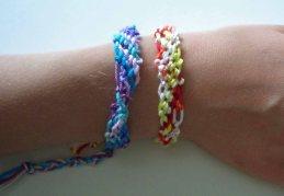 geknüpfte Armbänder